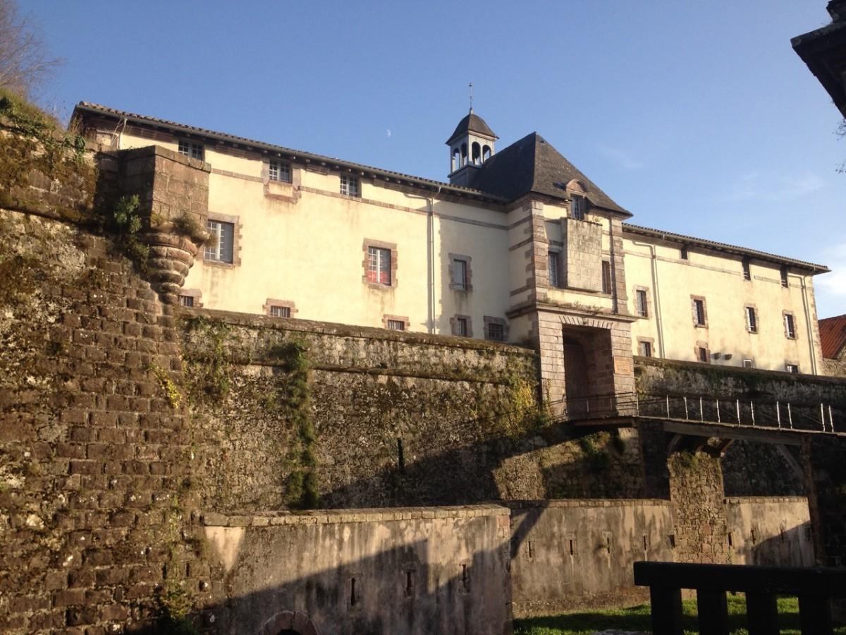 Visite comment e de la citadelle saint jean pied de port - Office de tourisme de saint jean pied de port ...