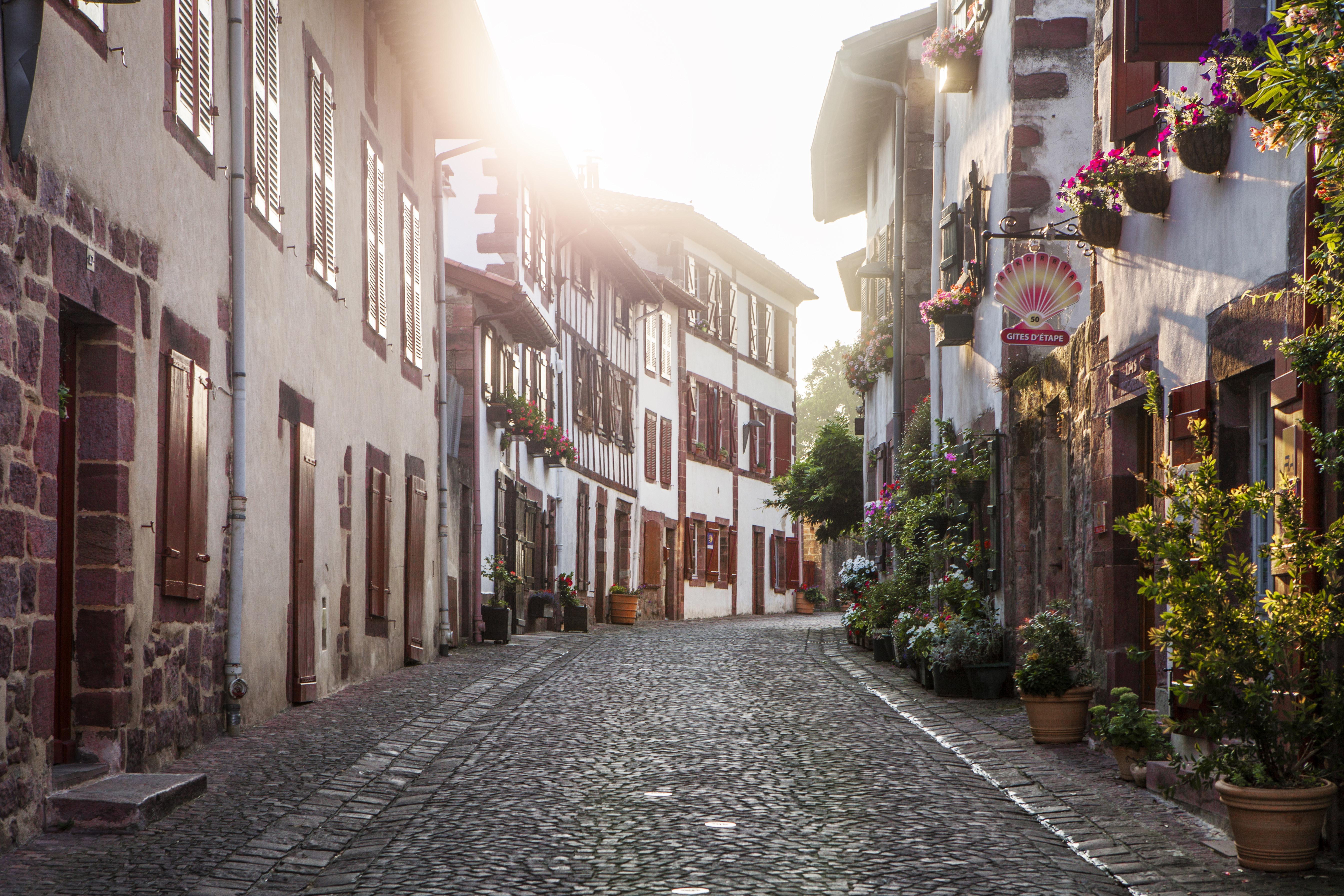Saint jean pied de port parmi les plus beaux villages de - Office du tourisme st jean pied de port ...